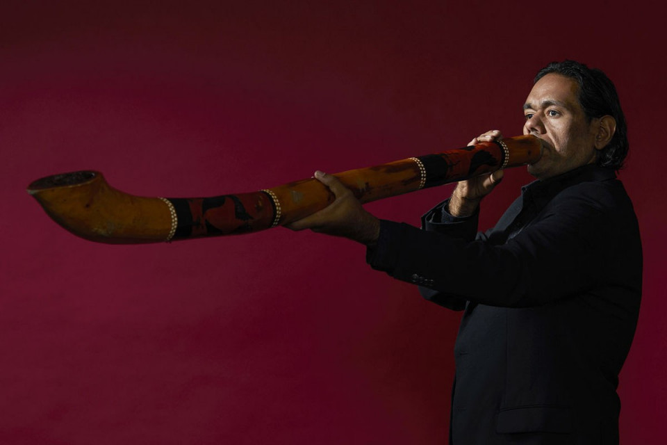 William Barton Didgeridoo 1200X800